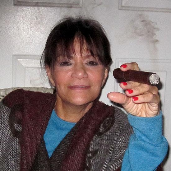 Sandra Reyes Nude Photos 37